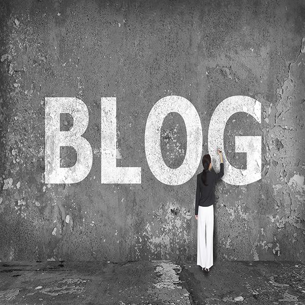 blogging2 600x600